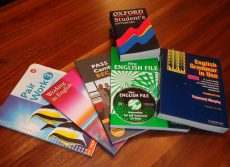 school-books-99476_640